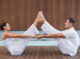 孕期夫妻瑜伽,抓上老公一起做运动!
